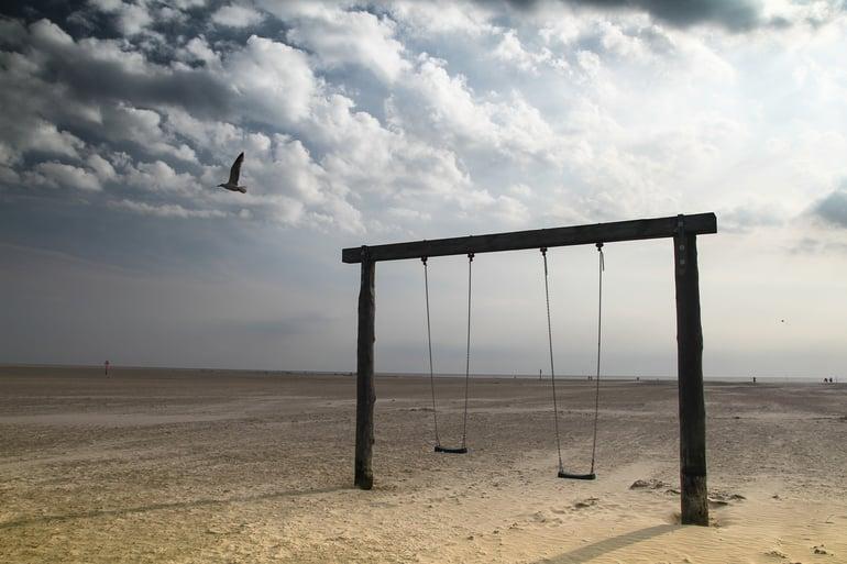 swing-2221200_1920.jpg